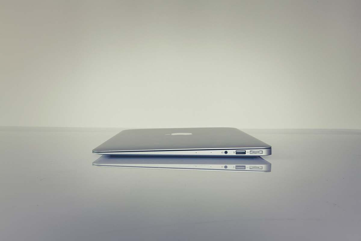 stock photos free  of work MacBook Air on table usb