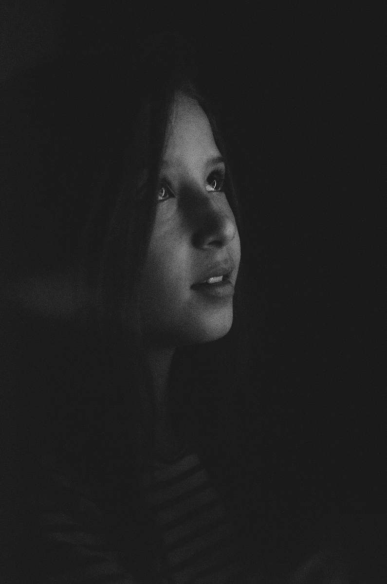 ✓ Portrait Grayscale Photography Of A Girl Looking Up Person Image - Free Stock Photo