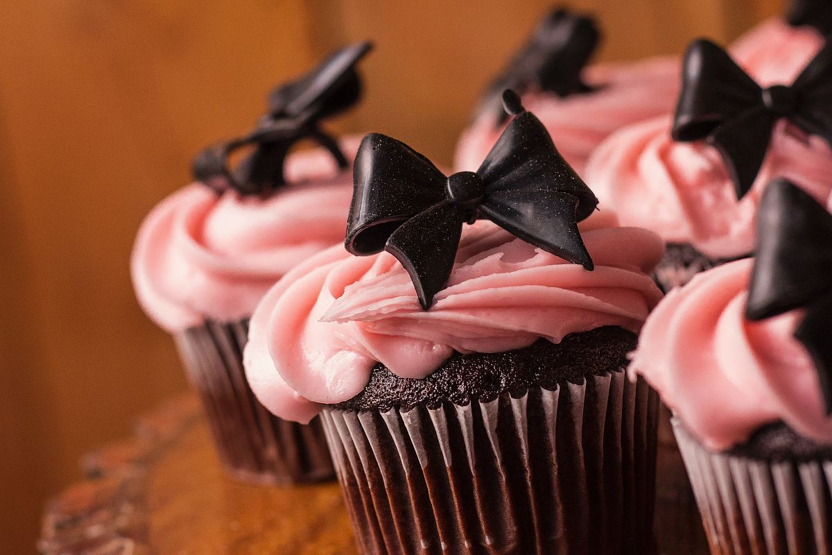 stock photos free  of baked cupcakes