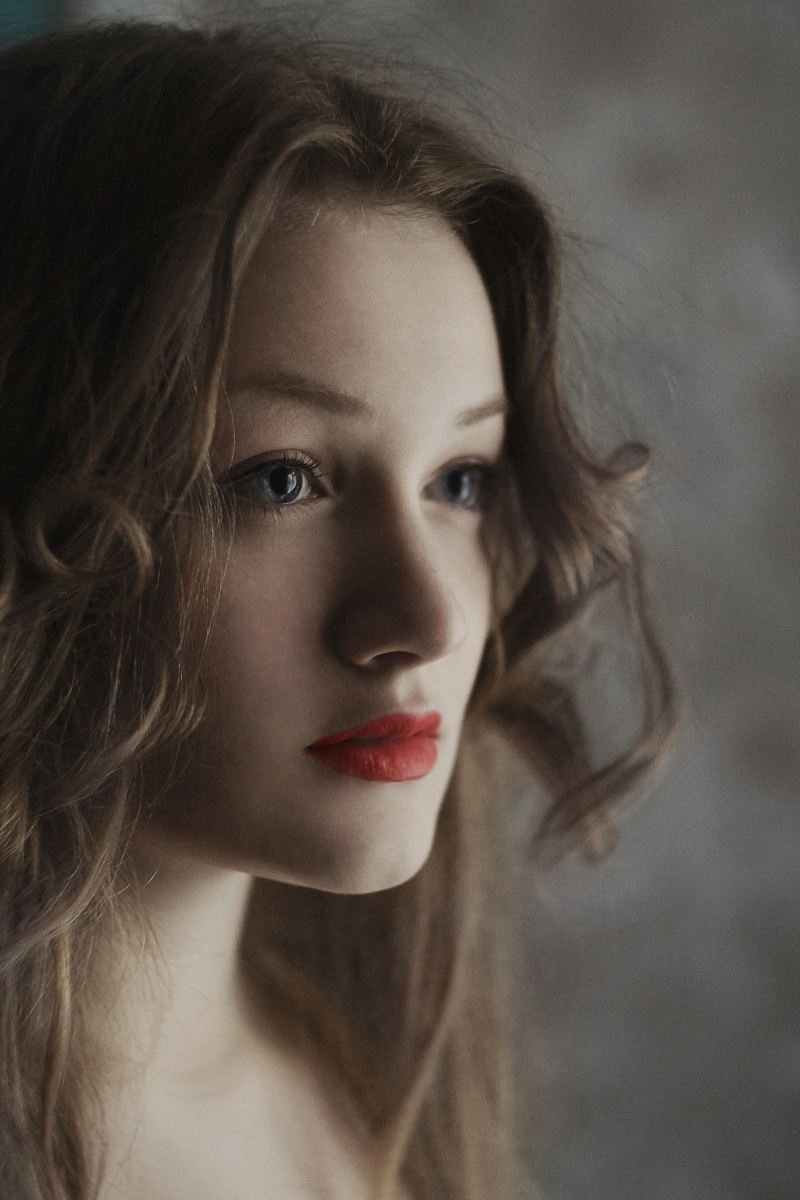 stock photos free  of woman blonde hair and red lipstick