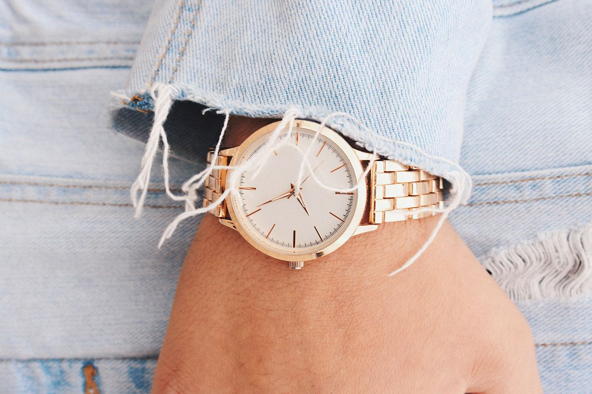 stock photos free  of analog watch pointing at 9:45