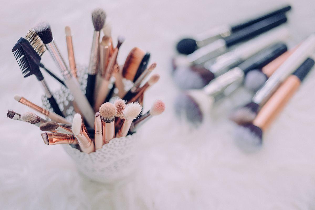 stock photos free  of makeup brush lot