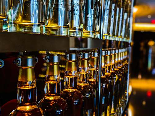 pub clear wine glasses bottle