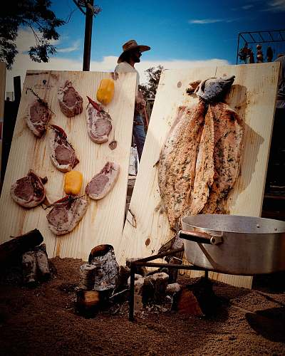 wood two varieties of cooked meats praça escoteiro aldo chioratto