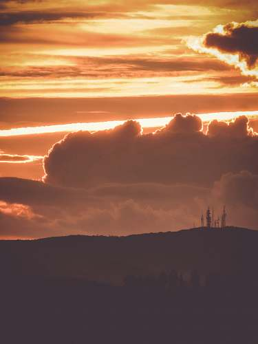 cloud sunset over the horizon nature
