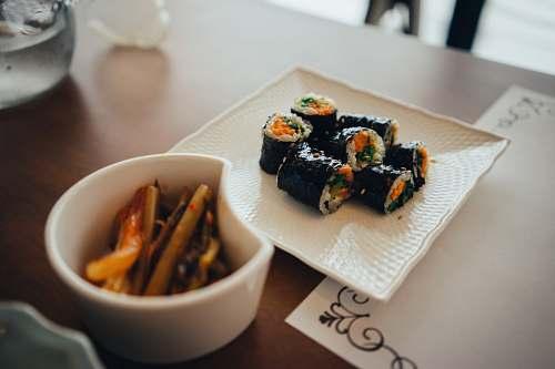 sushi plate of sushi bowl