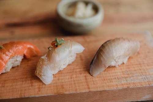 sushi sushi dish bread