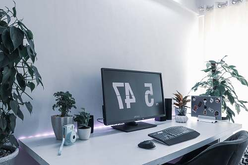 table computer monitor displaying 5 47 furniture
