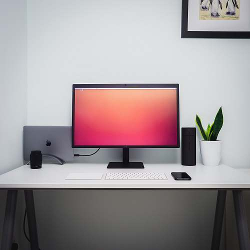 table flat screen monitor desk