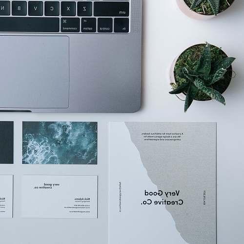design MacBook Pro paper