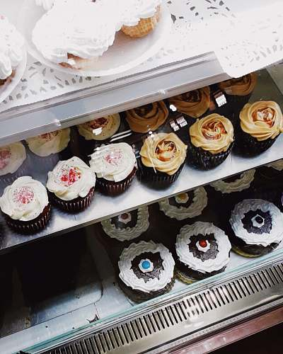 bakery baked cupcake on rack food