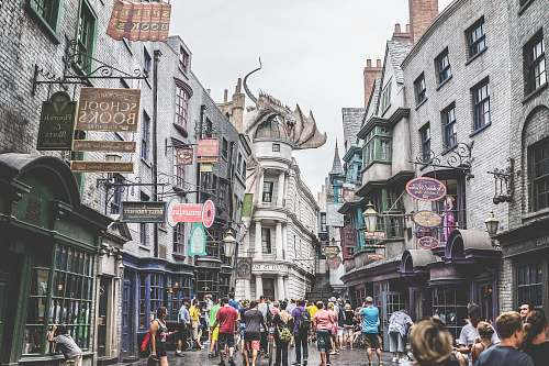 photo magic woman standing at alley way diagon alley free for commercial use images