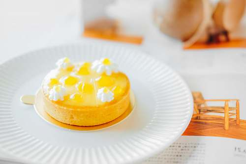 egg plate of pudding confectionery