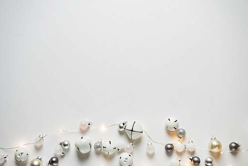 photo white beaded of white string light holiday free for commercial use images