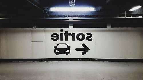 parking Sortie signage car