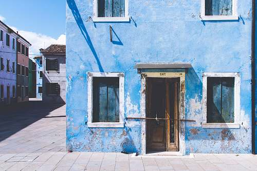italy white and blue concrete house architecture