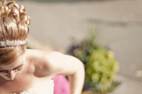 photo wedding woman in white floral strapless sweetheart bridal gown shallow focus photography headband free for commercial use images