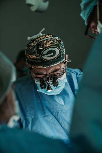 photo clothing doctor wearing Green Bay Packers hat helmet free for commercial use images