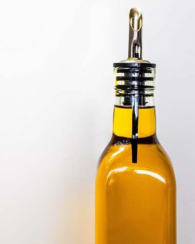 beverage oil dispenser bottle drink