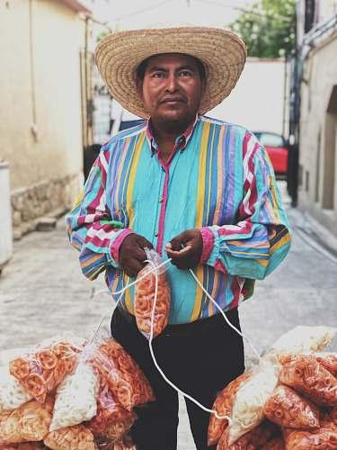 apparel man chips bag lot hat