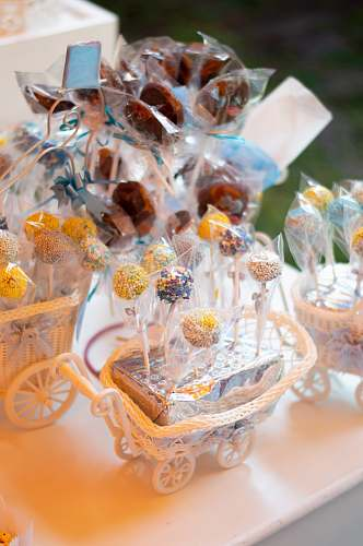 sweets cake pop in gift pack confectionery