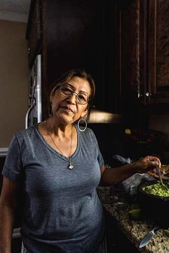 human women's grey scoop-neck t-shirt sleeve