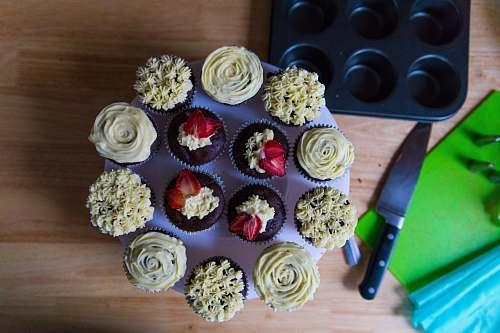 cupcake round purple and white cupcakes icing