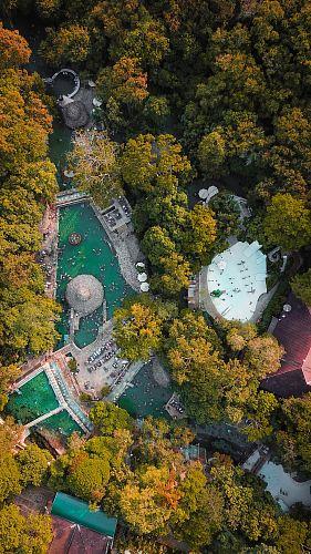 bird's-eye view photo of resort