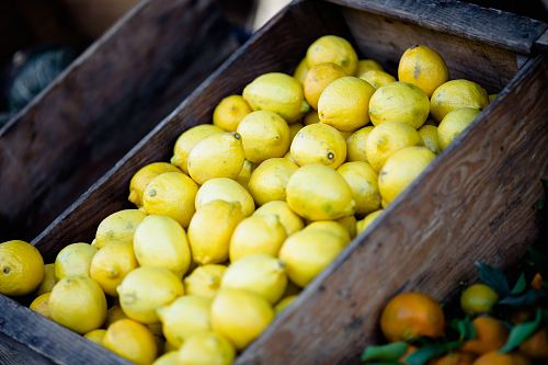 photo bunch of lemons on box free for commercial use images