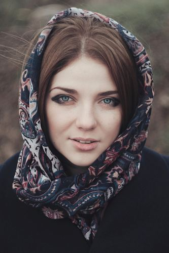 photo woman with floral hijab headscarf portrait photo free for commercial use images
