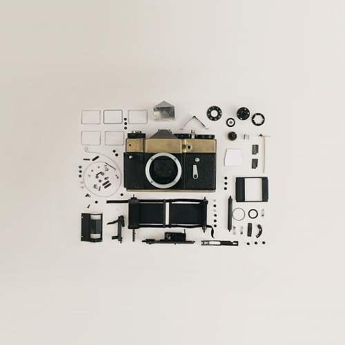 camera black and gray camera kit tech