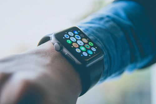 photo person wearing space gray aluminum case Apple Watch free for commercial use images