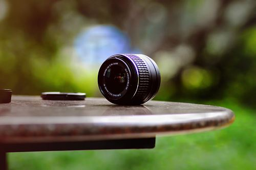 photo shallow focus photography of DSLR camera lens free for commercial use images