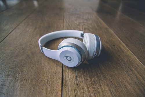 photo white Beats by Dr. Dre wireless headphones free for commercial use images