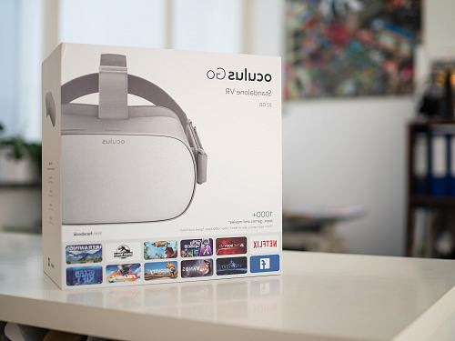 photo white Oculus Go VR goggle box free for commercial use images