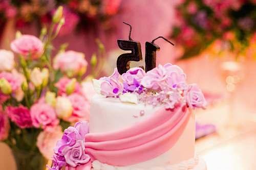cake 15th birthday cake selective focal photo birthday cake