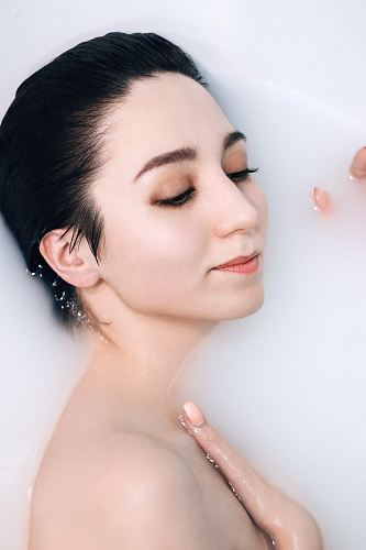 photo woman bathing in milk free for commercial use images