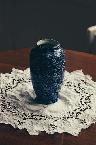 photo porcelain shallow focus photo of blue and white floral ceramic vase pottery free for commercial use images