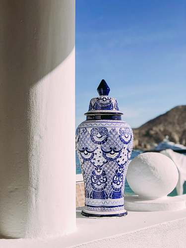 photo pottery white and blue ceramic floral floor vase porcelain free for commercial use images
